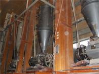 ロール式製粉機